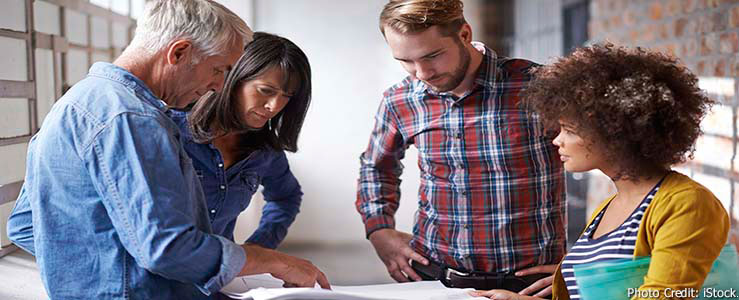 On-site consultation - Free and confidential help for employers - Photo Credit: iStock | Copyright: PeopleImages