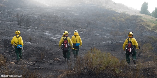 Responding to Wildfires - Learn what information is available to assist responders | Photo credit: Michael Rieger/FEMA