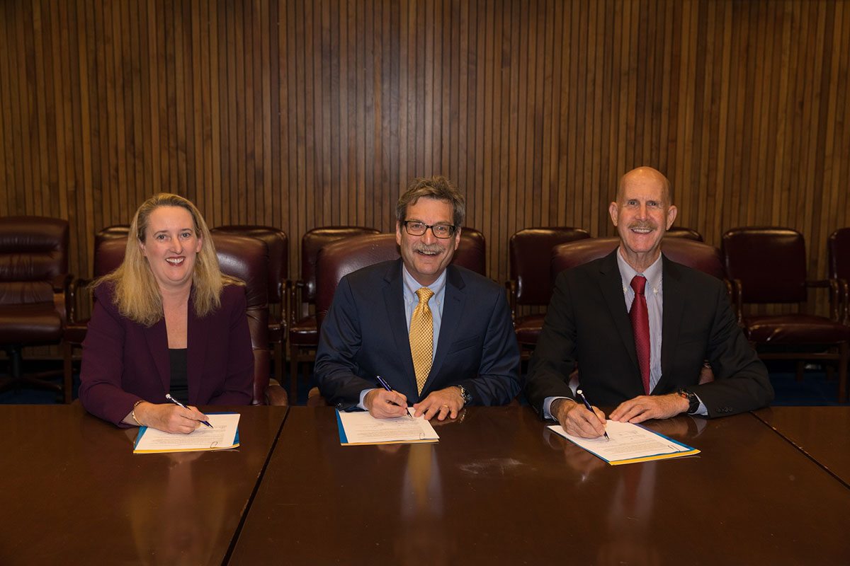 Deputy Assistant Secretary Loren Sweatt, USDOL-OSHA (left), RIA President Jeffrey Burnstein, RIA (center), and NIOSH Director Dr. John Howard, USHHS-NIOSH (right) signing the Alliance on October 5, 2017.