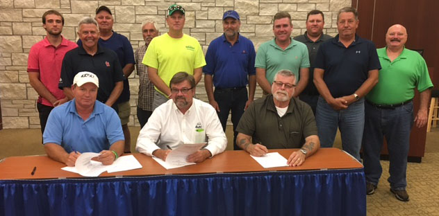 Mason Contractors Association of St. Louis renew safety alliance signing photo