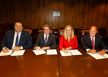 Poultry industry alliance signing photo