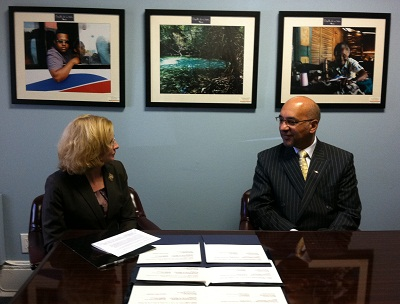 MaryAnn Garrahan, OSHA regional administrator in Philadelphia, and Dominican Ambassador Anibal de Castro signed an alliance at the Consular Section of the Embassy of the Dominican Republic in Washington, D.C.