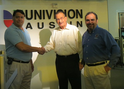 From left: Raul Carrillo, OSHA Compliance Assistance Officer in San Antonio; Gustavo Monsante, Producer/News Anchor, Univision; and Joe Carvajal, Compliance Safety and Health Officer in San Antonio at Region VI phone bank.