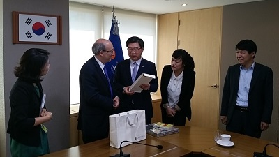 Assistant Secretary Michaels visits Korea to discuss global issues on worker safety and health